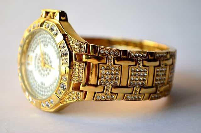 Polishing the Watch Case Band