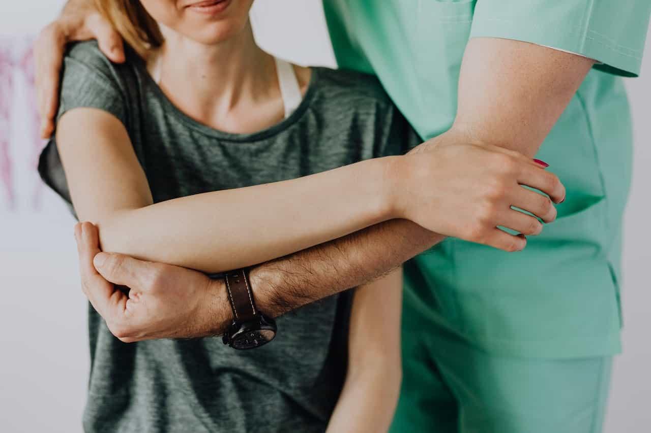 Should Nurses Wear Wristwatches